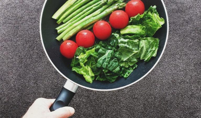Jak sprytnie przemycić warzywa do diety?
