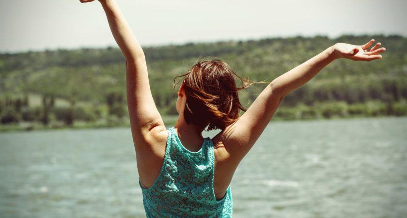 Jak pozbyć się uporczywego bólu pleców? – łatwy zestaw ćwiczeń