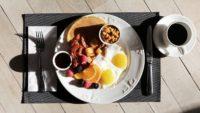 5 sposobów na ciepłe i zdrowe śniadania